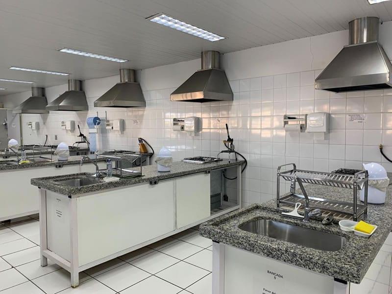 8-foto-laboratorio-de-nutricao