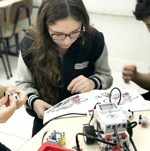 foto-escolas-robotica-2-1